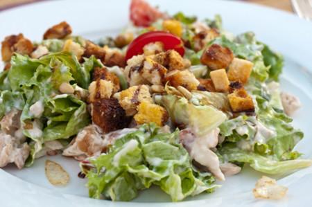 Cenas proteicas rápidas y fáciles: Ensalada César de pollo (IX)