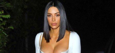 Salir a cenar por Los Angeles en ropa interior, por Kim Kardashian