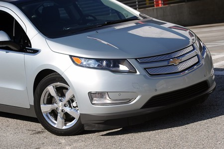 Los conductores de coches eléctricos suelen tener un seguro más barato