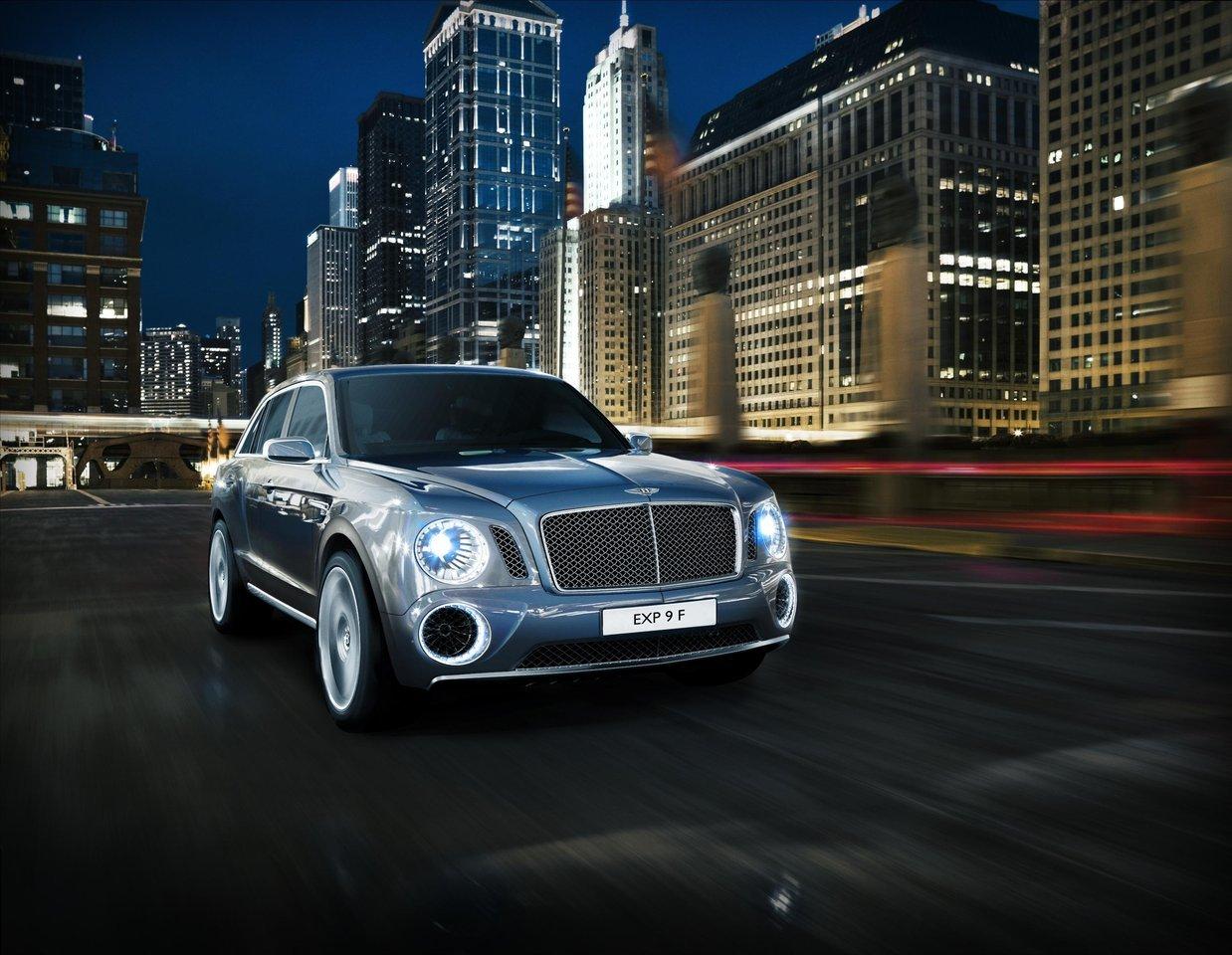 Foto de Bentley EXP 9 F (3/9)
