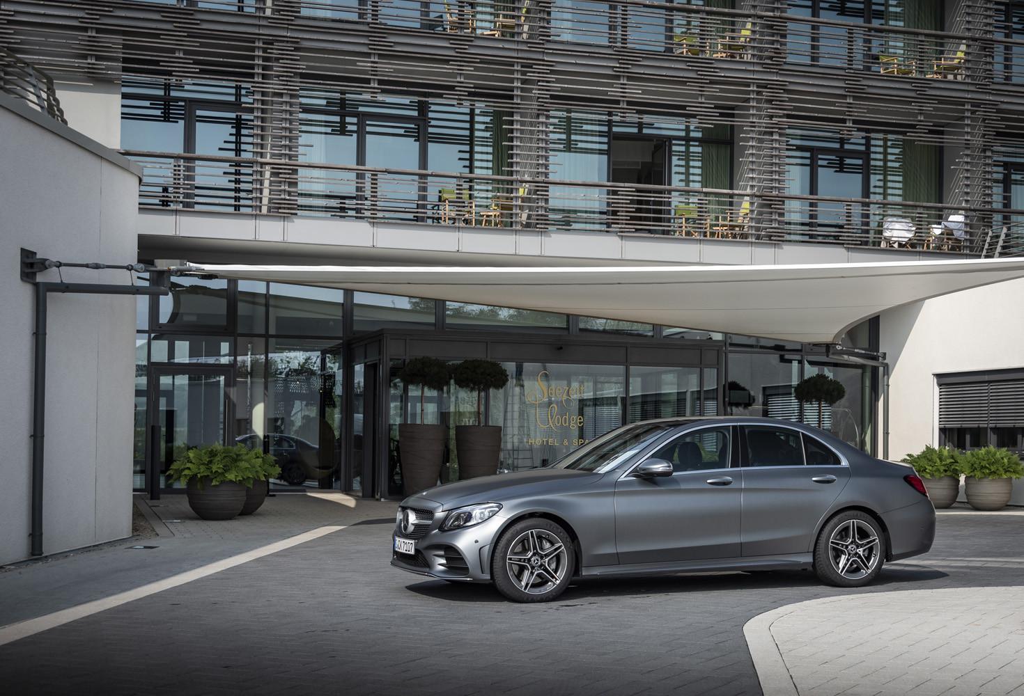 Foto de Mercedes-Benz Clase C 2018, toma de contacto (101/255)