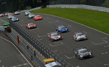 Sugo vive una apasionante y sorprendente cuarta carrera del Super GT con victoria de Honda en ambas categorías