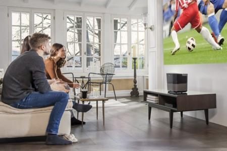 Philips Screeneo 2.0, la renovación del clásico proyector de tiro corto de la marca con mejor sonido y más resolución