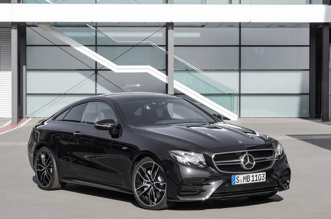 Los Mercedes-AMG Clase E Coupé y Cabrio también reciben versiones 53 mild-hybrid