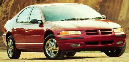 Extrañas mutaciones: Dodge Stratus disfrazado de Lambo Gallardo