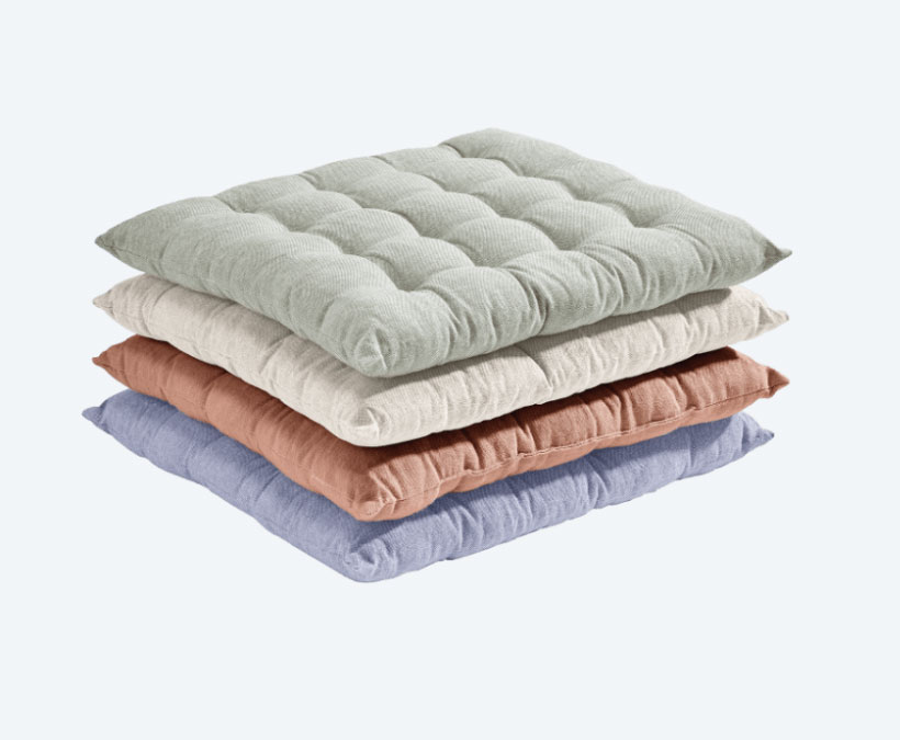 Cojín de silla Exterior: 100% algodón orgánico. Relleno: 100% algodón. Tamaño: 40 x 36 cm. Disponible en diferentes diseños. 2,99