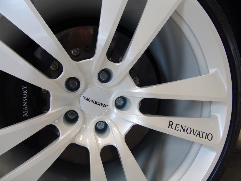 Foto de Mansory Mercedes-Benz SLR McLaren Renovatio Black&White (13/14)