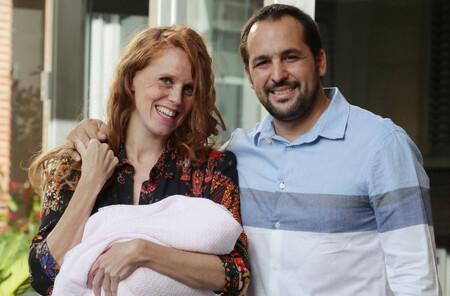 María Castro vive uno de los momentos más emotivos para toda madre: ver a sus hijas juntas por primera vez