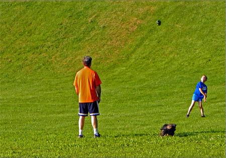 Los padres tienen poco tiempo para jugar con sus hijos, aunque les gustaría incrementarlo