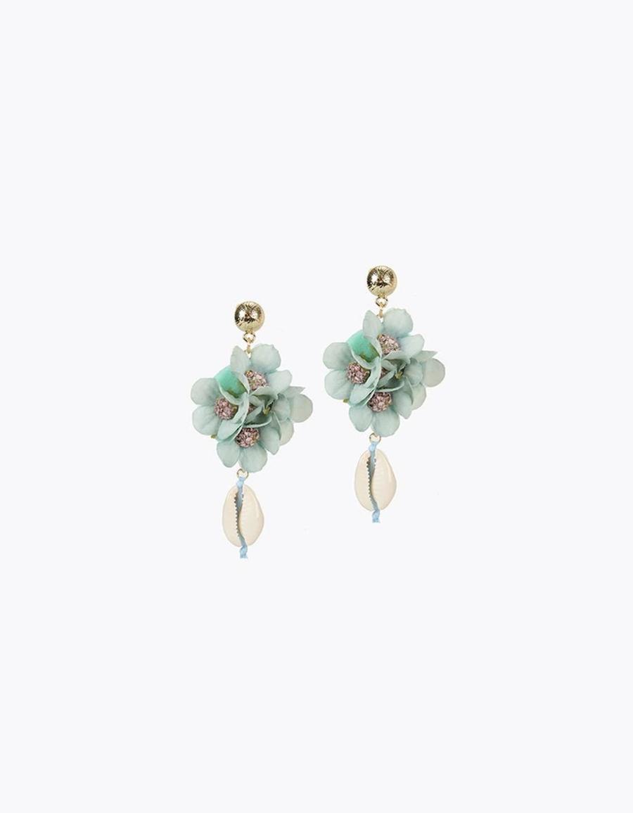 Pendientes Lola Casademunt de conchas y flores en azul claro