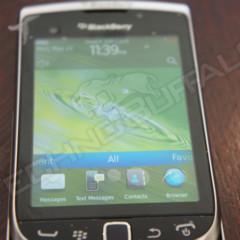Foto 13 de 22 de la galería blackberry-torch-2-9810-mas-imagenes-del-nuevo-hibrido-de-rim en Xataka Móvil