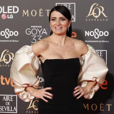 Premios Goya 2019: Silvia Abril sorprende con un elegantísimo vestido firmado por Pedro del Hierro bicolor y con aire goyesco