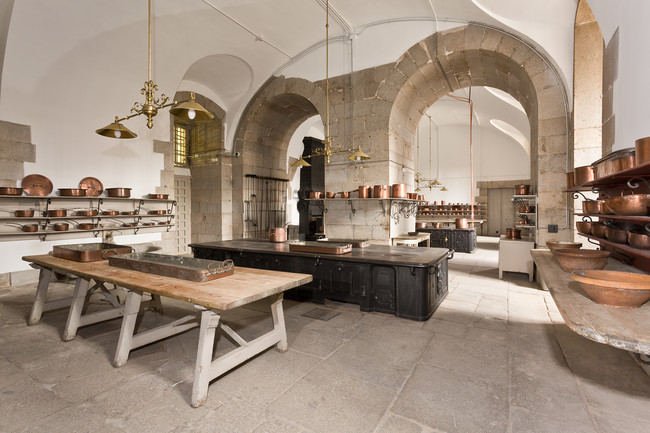 Cocina Grande O Sala De Fogones Con El Fogon De Briffault 1906 En Primer Termino Y El De Lemaitre 1861 Al Fondo