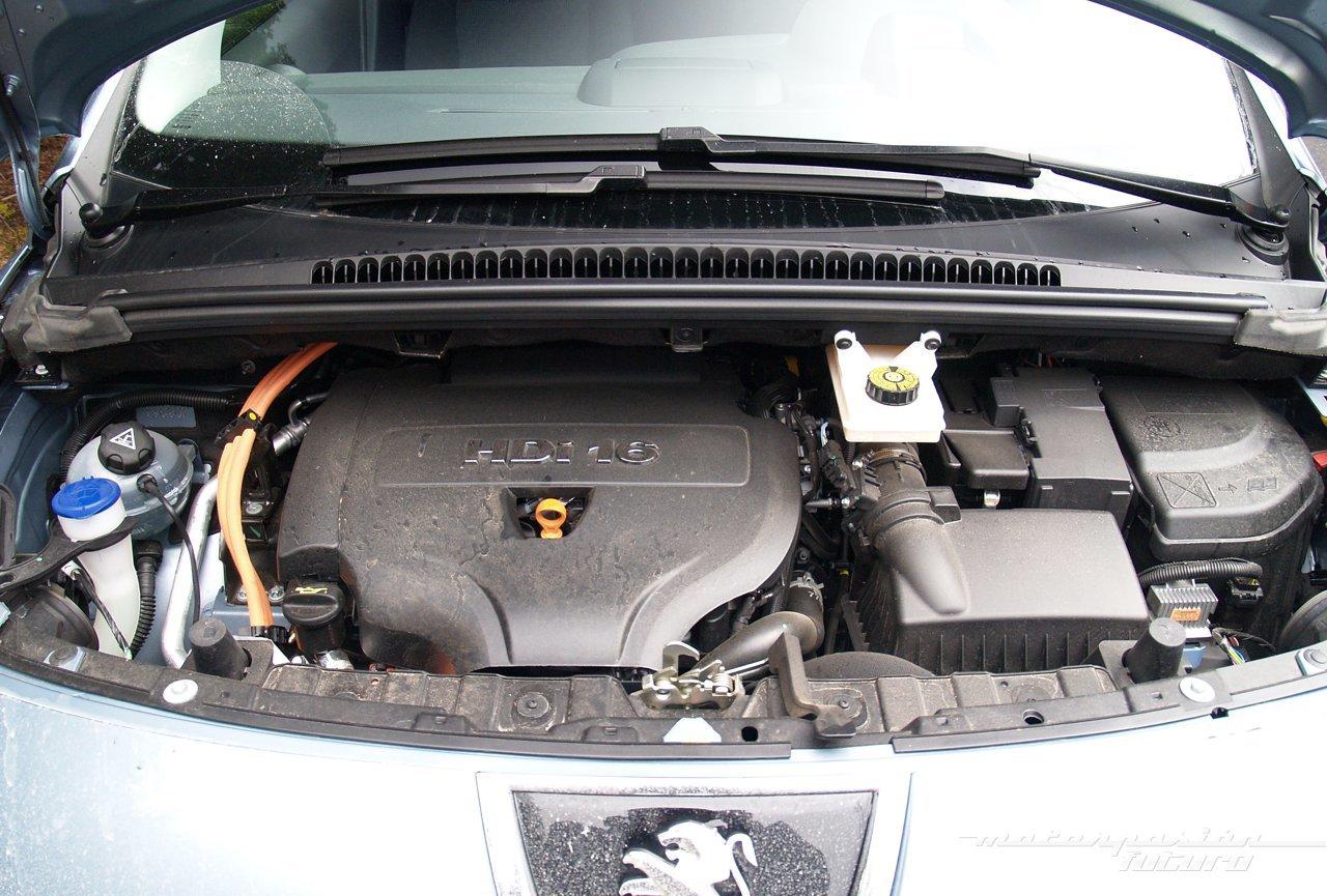 Foto de Peugeot 3008 HYbrid4 (presentación) (14/20)