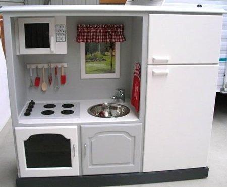 Antes y despu s un mueble de televisor convertido en for Planos para hacer una cocina de juguete
