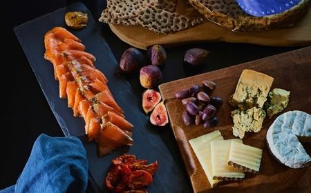 El arte de cenar en el sofá: recetas y consejos para disfrutar de este placer de la vida