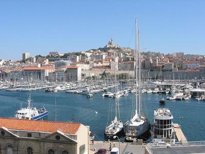 Para el Puente del Pilar, escapada a Marsella