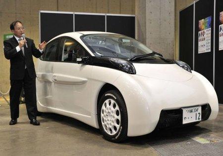 Coche eléctrico japonés capaz de recorrer 300 Km sin tener que recargar