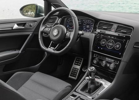 Volkswagen Golf R 2018 16