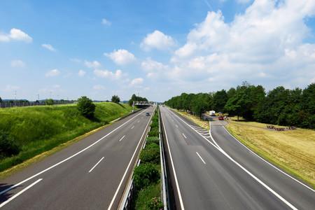 La ola de calor es tan extrema que Alemania ha impuesto límites de velocidad en sus sacrosantas autovías