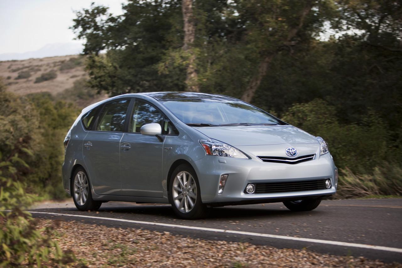 Foto de 2011 Toyota Prius v (21/77)