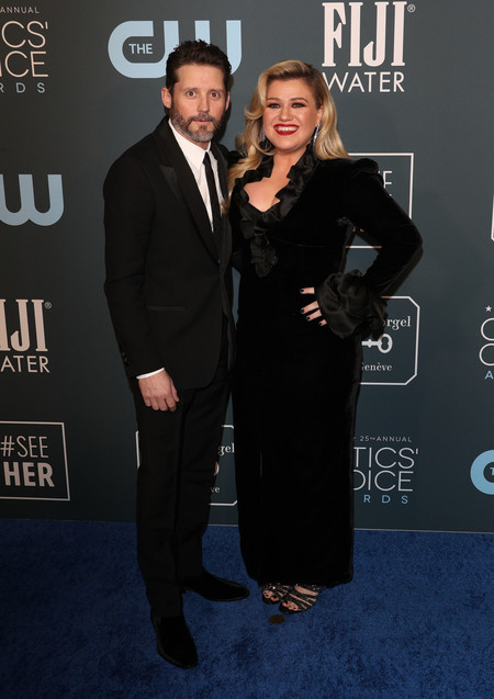 kelly clarkson Critics Choice Awards 2020