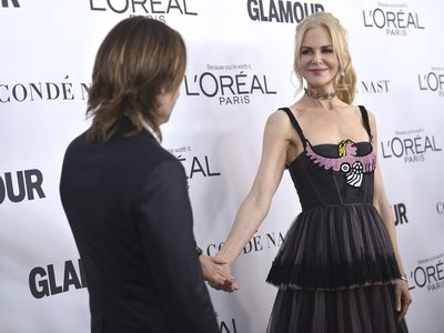 Una espectacular Nicole Kidman hace sombra a las hermanas Hadid en la Gala Glamour Women of the year