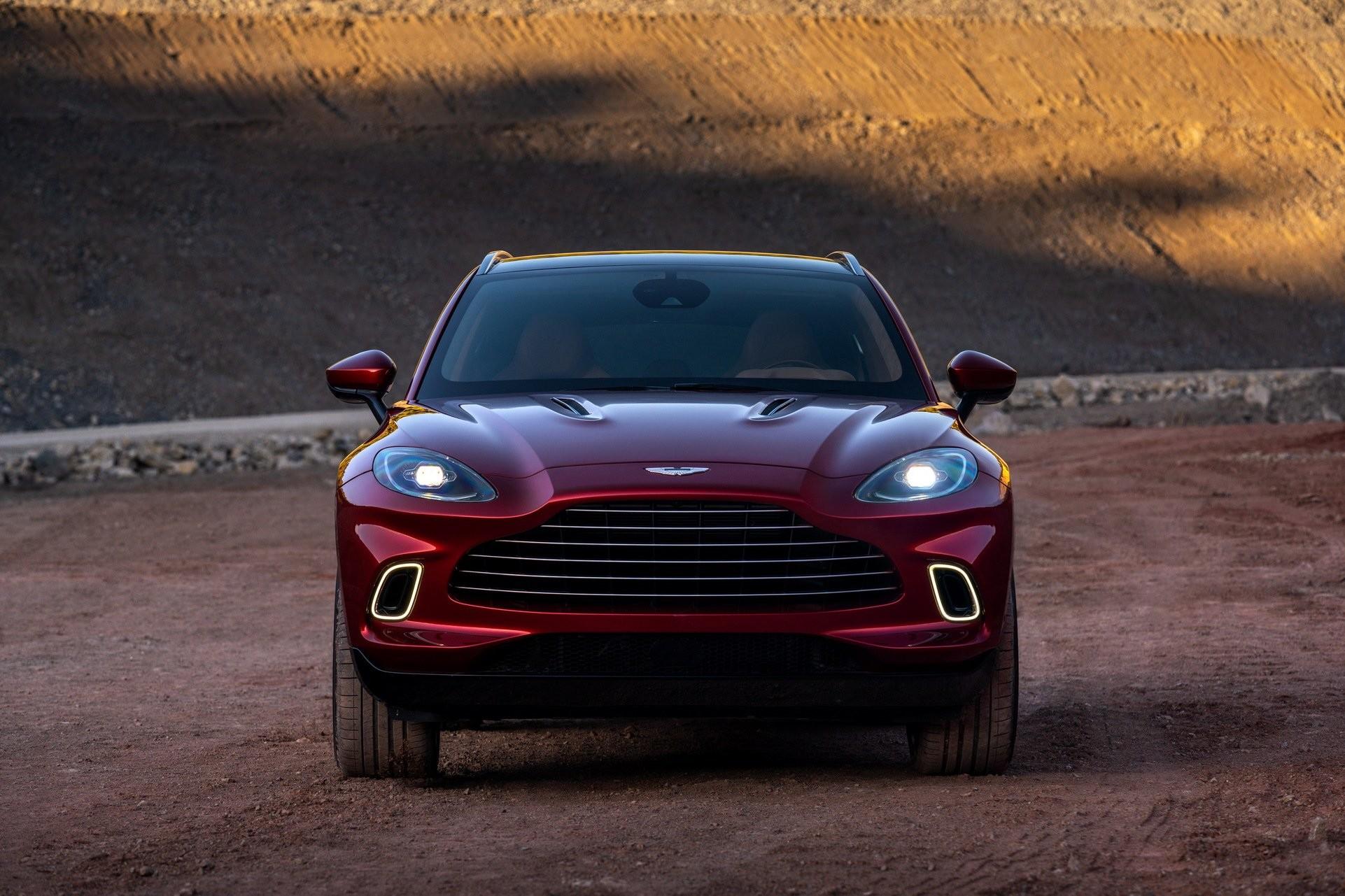 Foto de Aston Martin DBX (4/36)