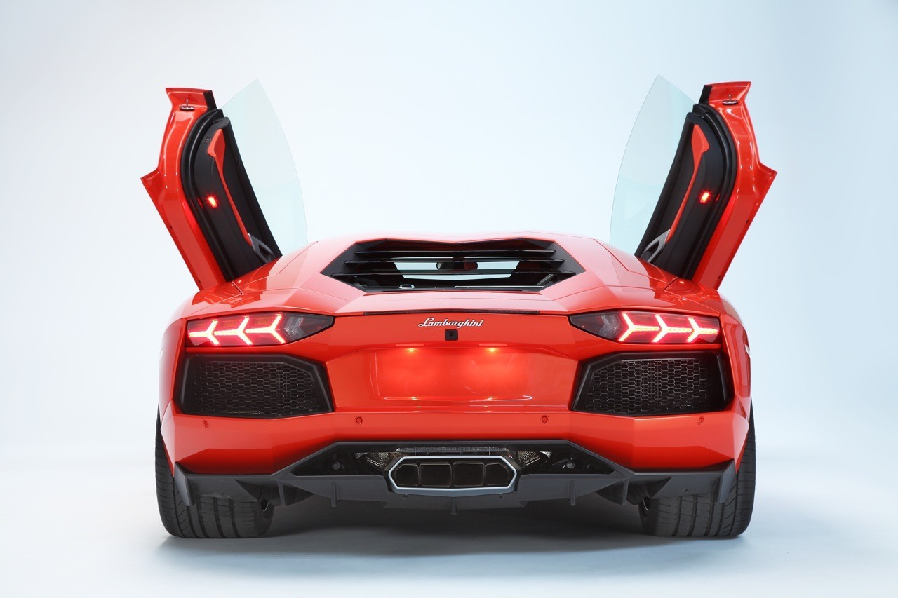 Foto de Lamborghini Aventador LP700-4 (59/62)