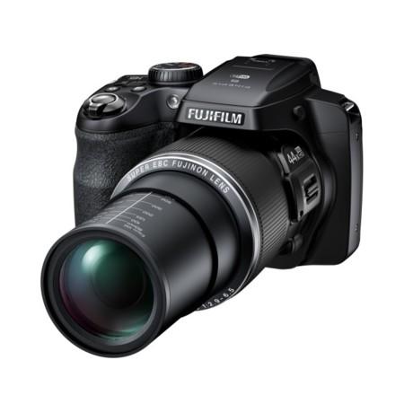 Fujifilm FinePix S8400W: zoom enorme con extra de Wifi