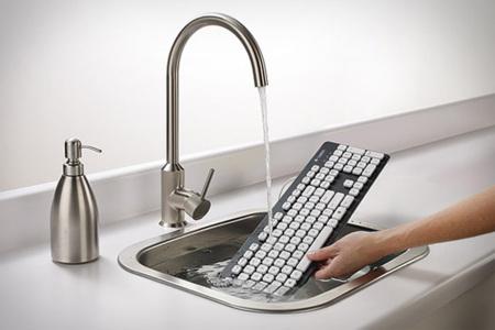 El teclado K310 de Logitech no se ahoga en los baños