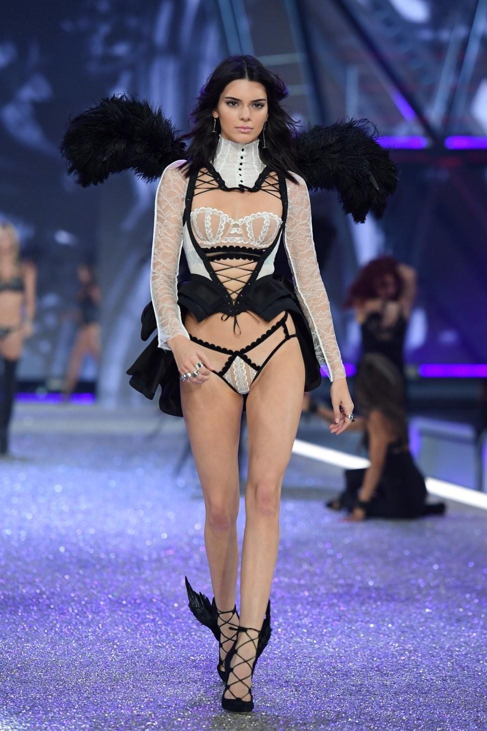 los ángeles de Victoria's Secret en Paris