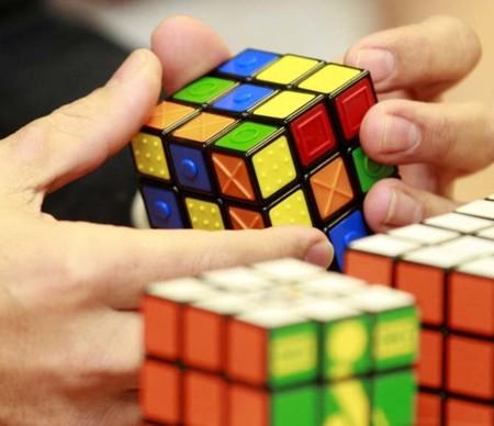 Rubik's Touch Cube: un cubo de Rubik para invidentes