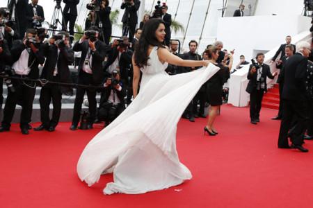 Cannes se vuelve blanco y las bloggers pisan la alfombra roja