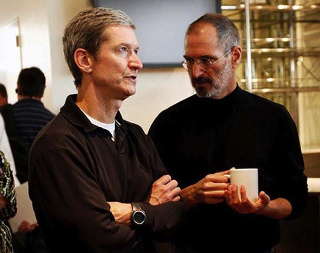 Tim Cook y Steve Jobs