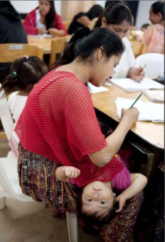 Clases de alfabetización en Guatemala
