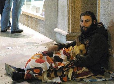 ¿Vives por debajo del umbral de la pobreza?