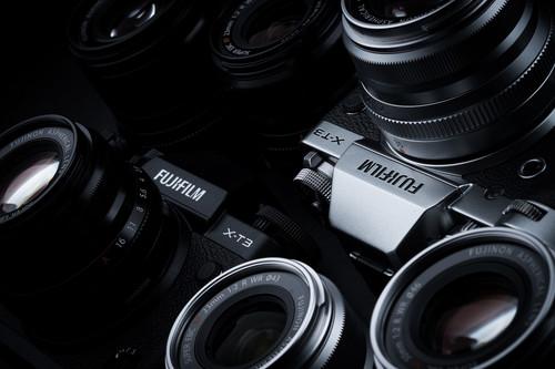 Fujifilm X-T3, Olympus OM-D E-M5 Mark II, Canon EOS 800D y más cámaras, objetivos y accesorios en oferta: Llega Cazando Gangas
