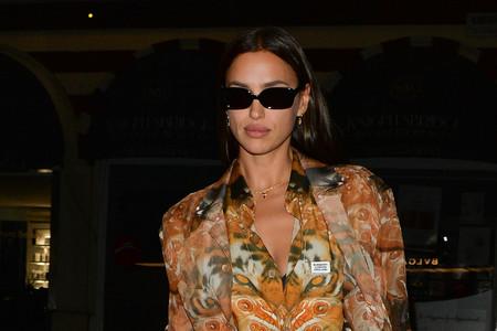 Irina Shayk llega a Londres después de arrasar en Nueva York y nos trae el look más primaveral firmado por Burberry