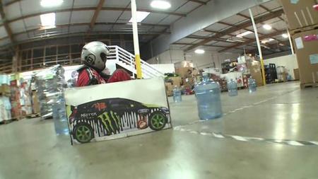 Ken Box Gymkhana, haciendo de Ken Block con un Razor Crazy Cart