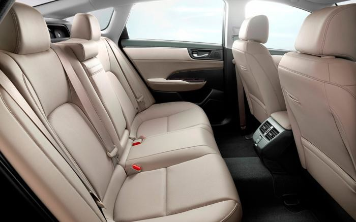 Foto de Honda Clarity plug-in hybrid y EV (3/10)