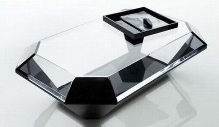 Bullet: una mesa, un diamante