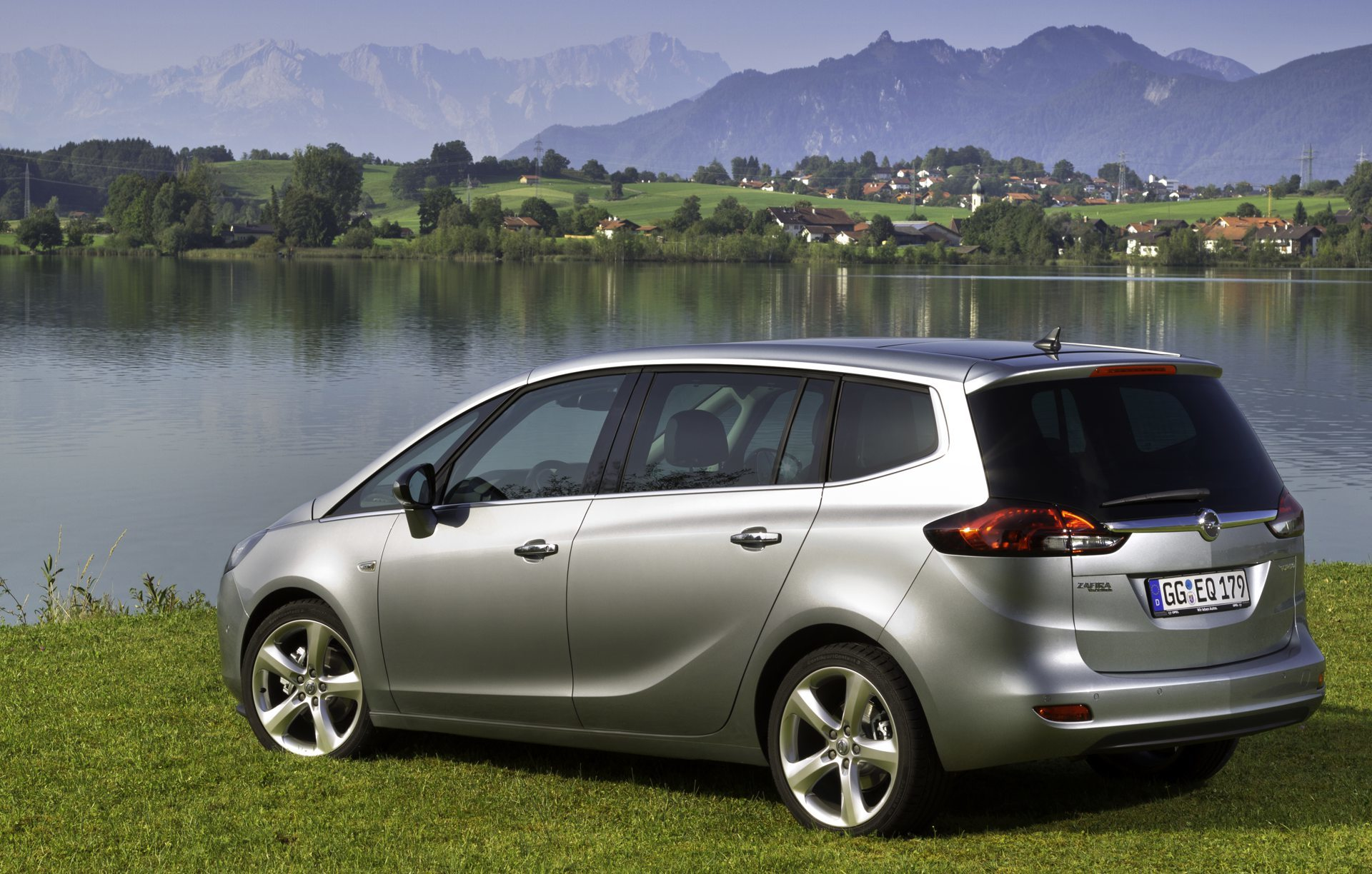 opel zafira tourer. Black Bedroom Furniture Sets. Home Design Ideas