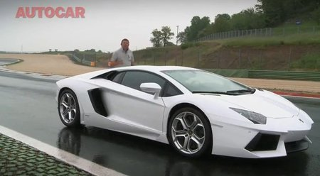 Autocar conduce el nuevo Lamborghini LP700-4 Aventador