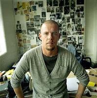 Muere el diseñador Alexander McQueen
