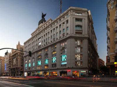 Primark de Gran Vía se ha convertido en el nuevo museo indispensable de la capital, estas 11 fotos los demuestran