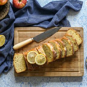 Bizcocho sencillo de manzana y limón, receta para aprovechar esa fruta que se empieza a estropear