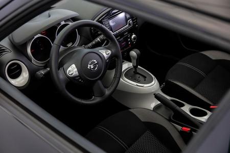 2017 Nissan Juke Black Pearl 8 970x647 C
