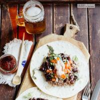 Burritos vegetarianos con aderezo de chipotle. Receta fácil