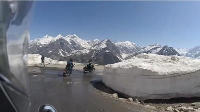 Desafío al Himalaya en moto